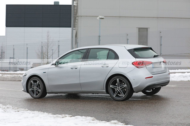 2022 - [Mercedes-Benz] Classe A restylée  8536-C0-FF-28-F0-48-D5-884-F-176397-EE2-F29
