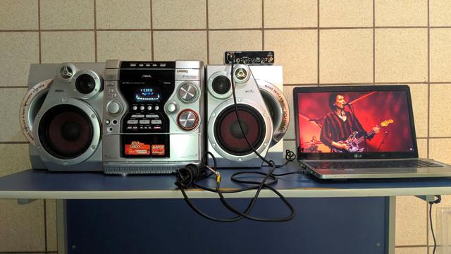 Resgatando um antigo system Aiwa, para uso como monitor/amplificador 9