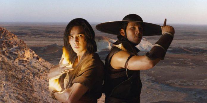 Mortal-Kombat-2021-Kung-Lao-and-Liu-Kang-at-Temple-of-Raiden-696x348
