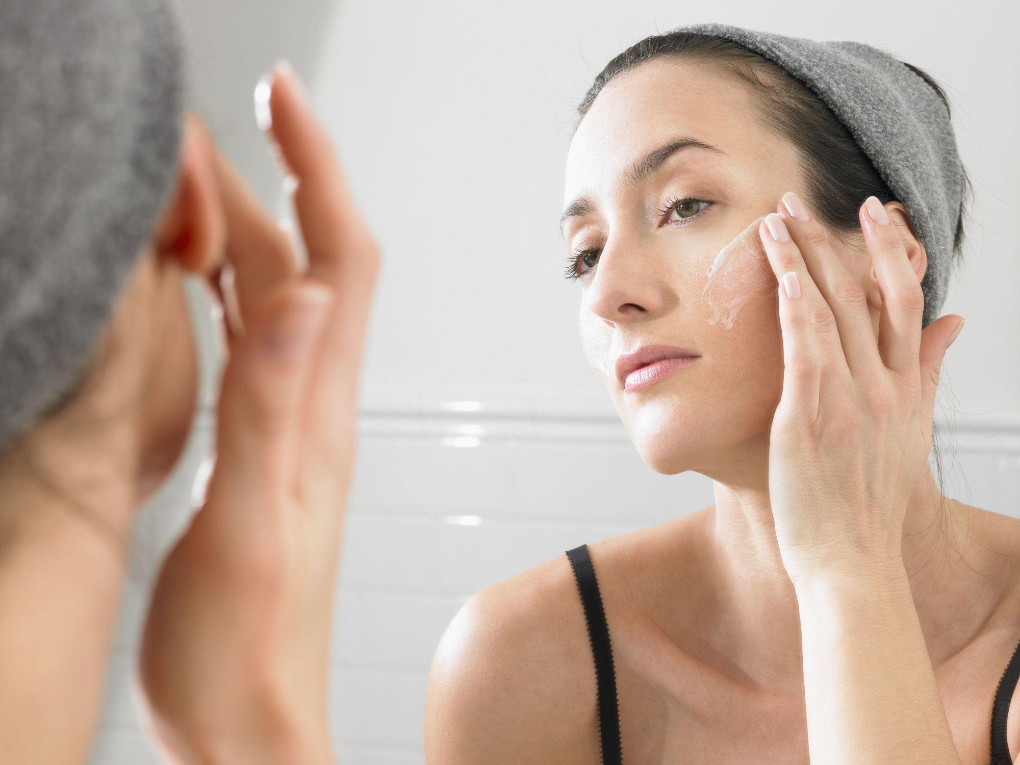 Remède naturel acné : solutions efficaces pour s'en débarasser