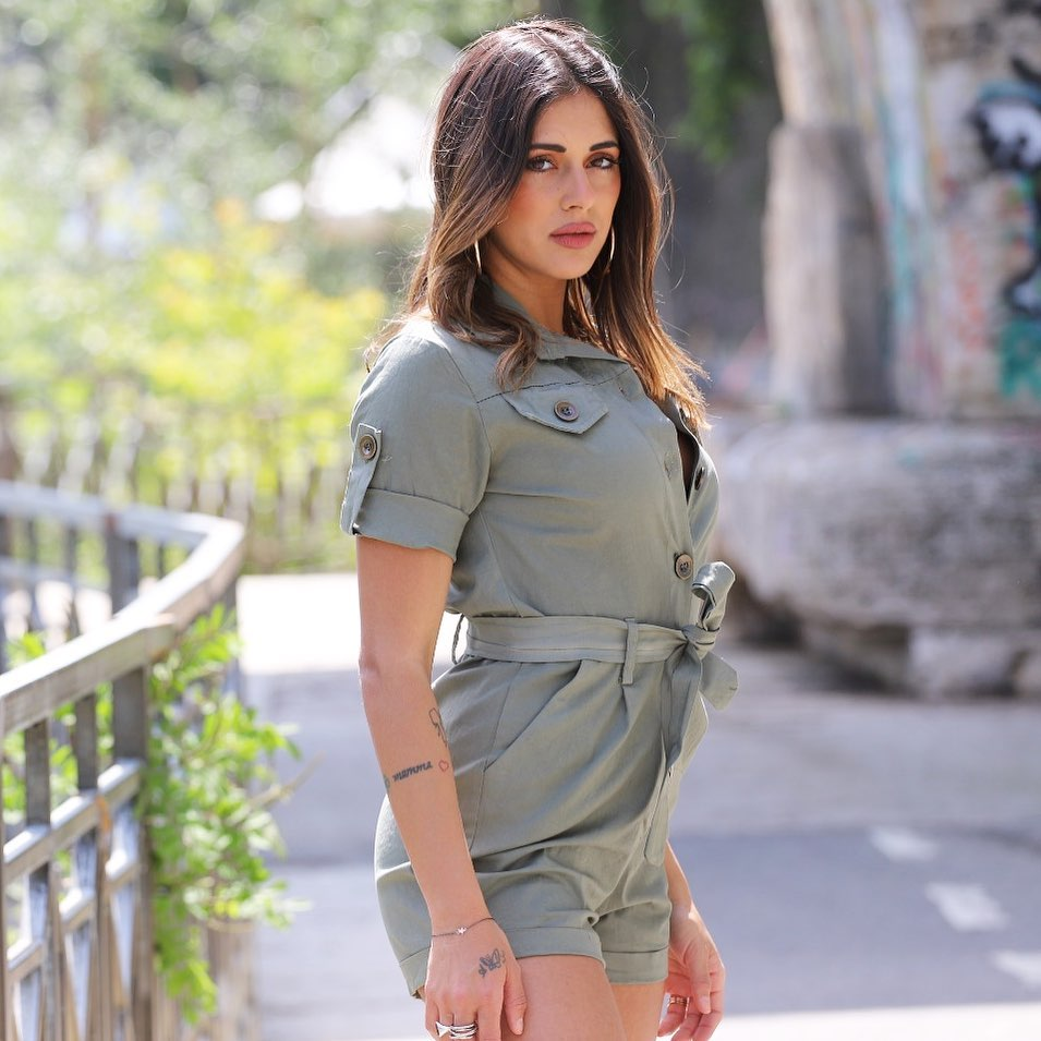 Alexia-Lapolla-Wallpapers-Insta-Fit-Bio-4