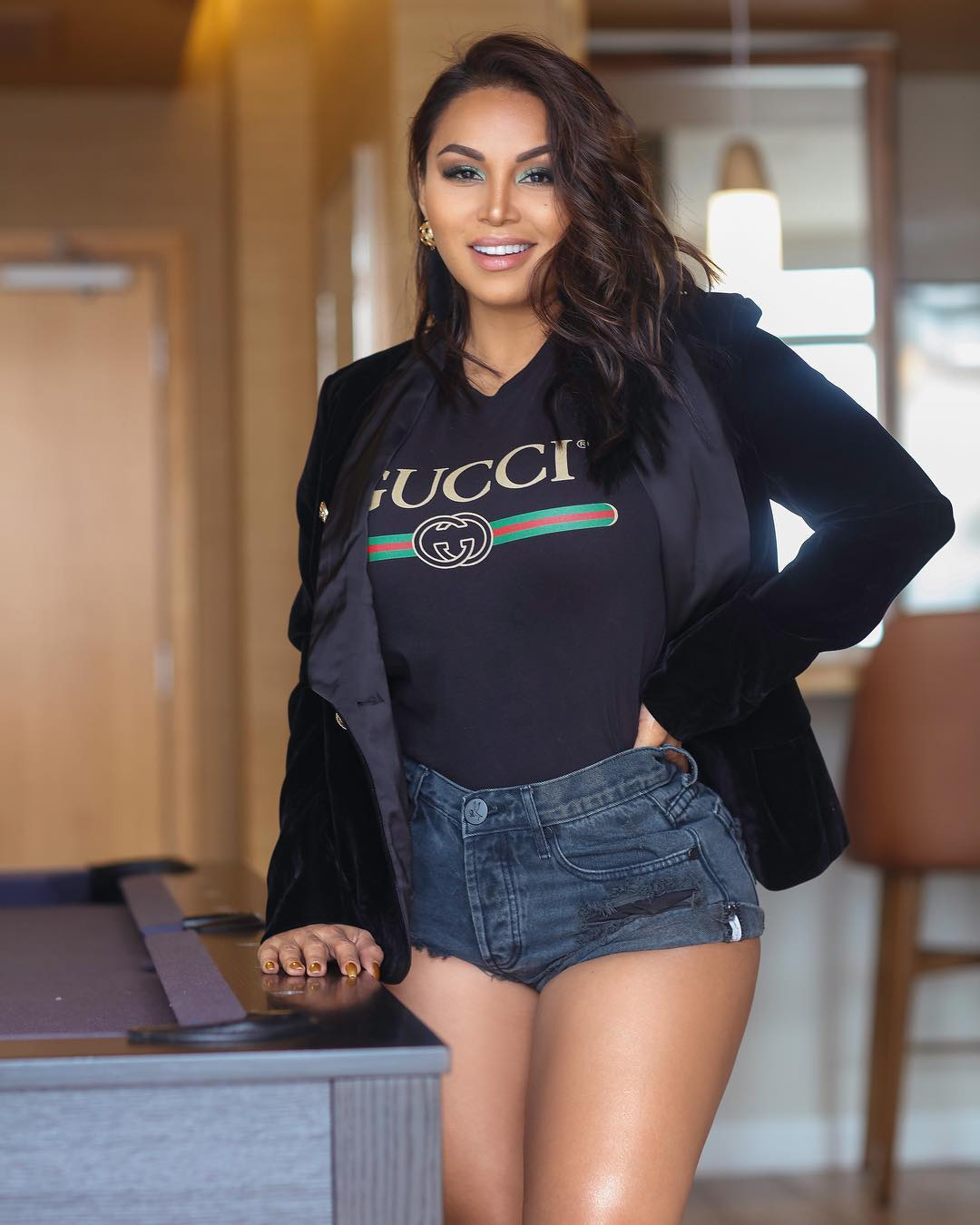 Dolly-Castro-Chavez-Wallpapers-Insta-Fit-BIo-17