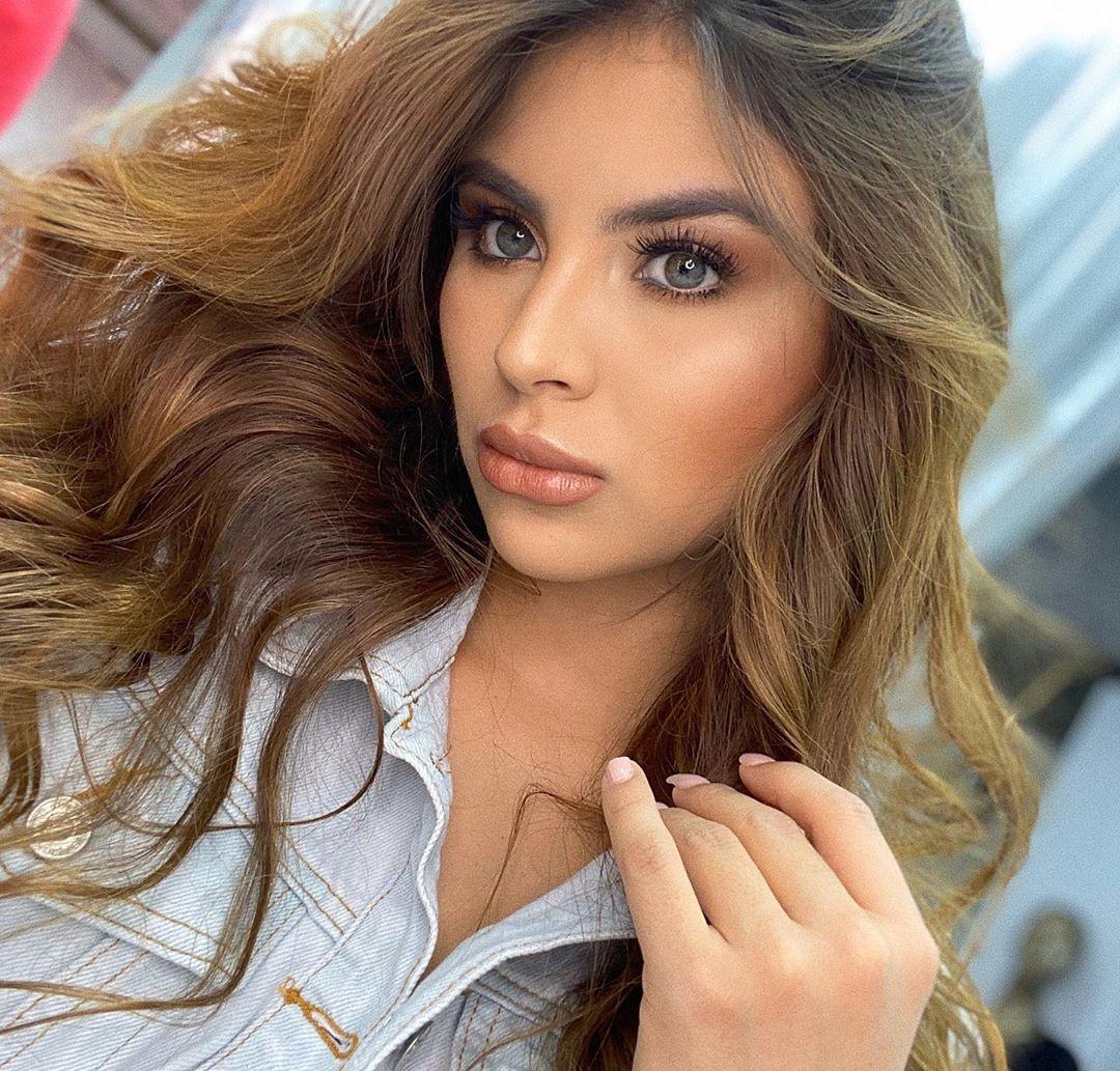 Laura-Sanchez-H-Wallpapers-Insta-Fit-Bio-6