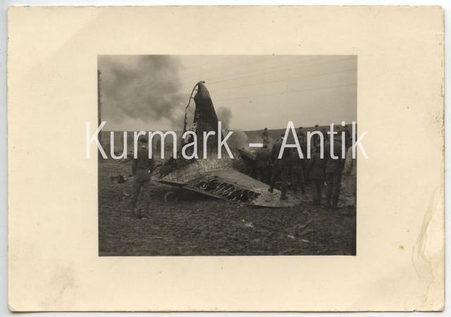 T716-Foto-Wehrmacht-Rum-nien-Bukarest-Beute-Flugzeug-crash