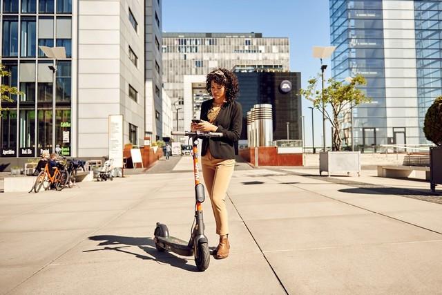 Nouvelles mobilités : les 7 conseils de Ford pour des trajets en toute sécurité tout en respectant la distanciation sociale Share-The-Road-SPIN