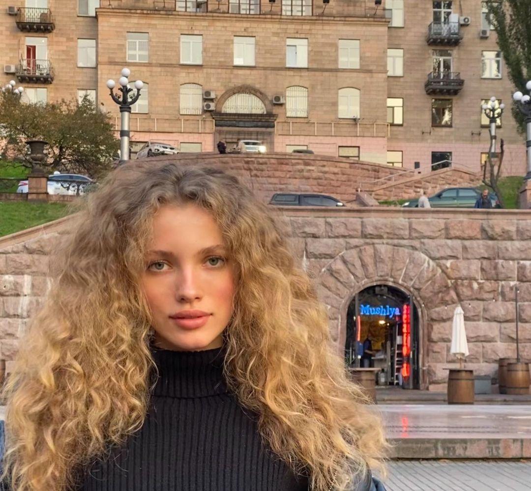 Tanya-Kizko-Wallpapers-Insta-Fit-Bio-16