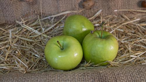 ვაშლი მწვანე (500 გრამი)