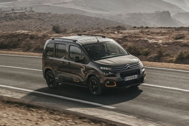 2018 - [Peugeot/Citroën/Opel] Rifter/Berlingo/Combo [K9] - Page 8 52-BEE628-AF65-4422-B8-B6-0911-BFFD0-A26