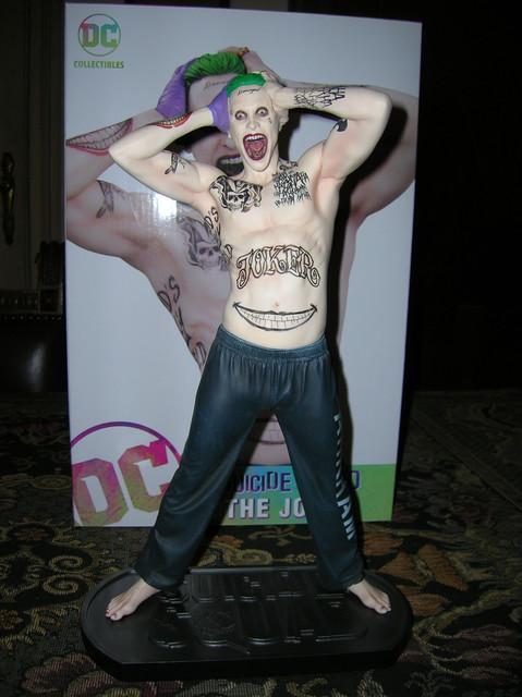 Jared-Leto-Joker-Statua
