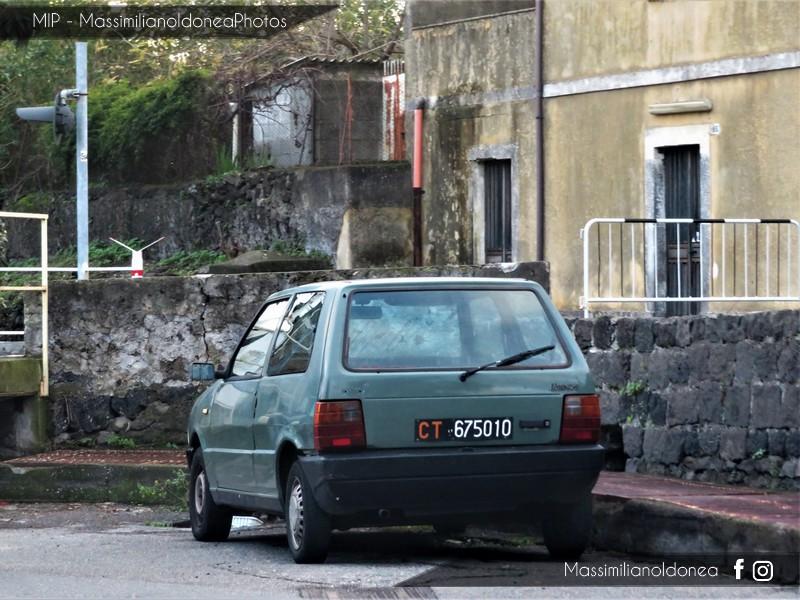 avvistamenti auto storiche - Pagina 4 Fiat-Uno-45-S-900-45cv-85-CT675010-285-465-5-5-2017-2