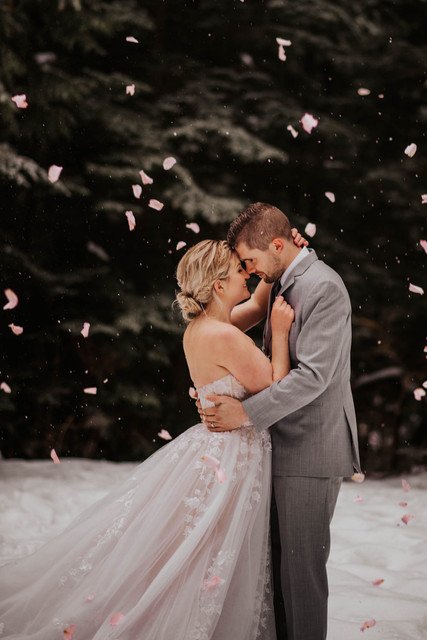 Kate-Paterson-Photography-Elopement-Photographer-Mt-Seymour-Winter-Styled-Elopement-Sneak-Peek-23
