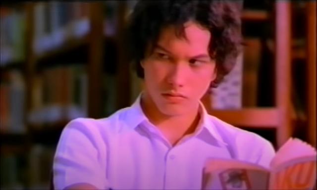 Nicholas Saputra dalam adegan film AADC.