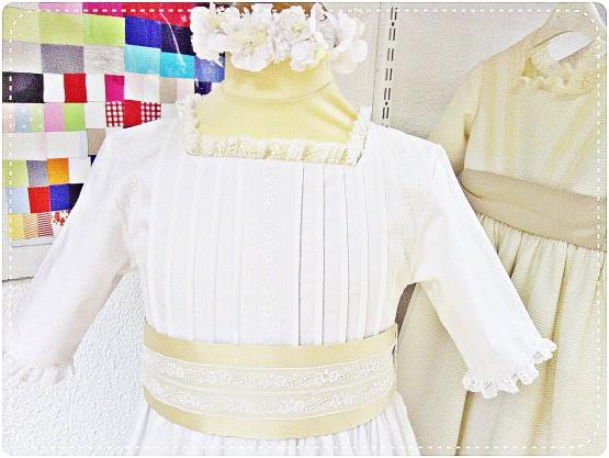 detalle-vestido-de-comunio-n-de-raso-de-algodo-n-Leonor-Sofi-a
