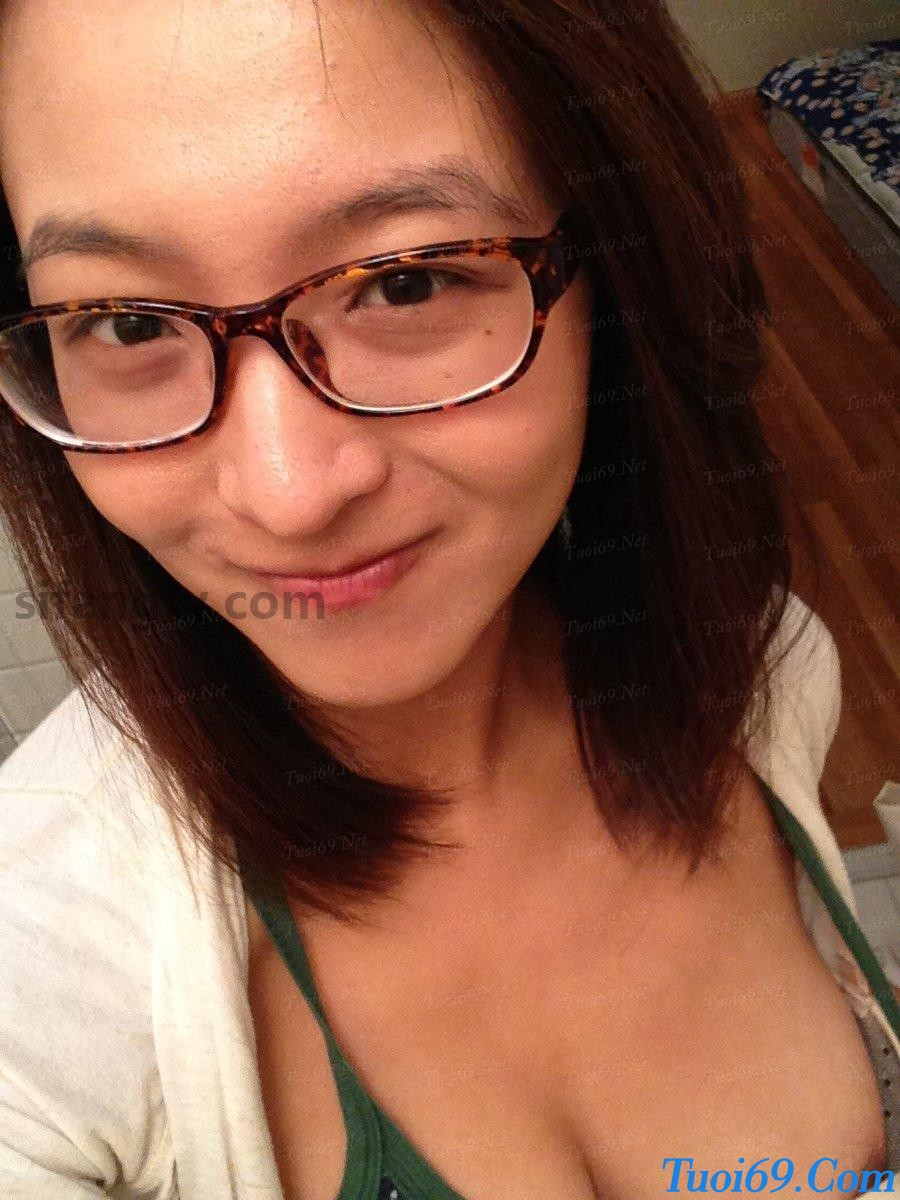 Wuhan-University-sister-Xiao-Weiwei-uniforms-seduced-34