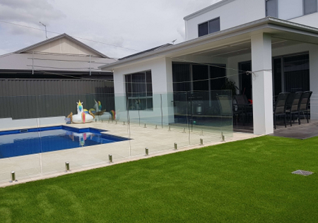 Artificial-Grass-for-Pool-Area