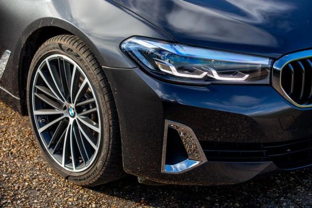 2020 - [BMW] Série 5 restylée [G30] - Page 11 EC3-DF418-7718-44-EA-8641-FD4-FC472476-B