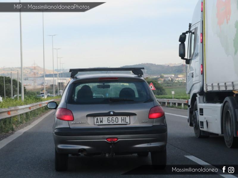 Avvistamenti di auto con un determinato tipo di targa - Pagina 19 Peugeot-206-D-1-9-69cv-25-SETTEMBRE-98-AW660-HL-301-000-31-10-2018