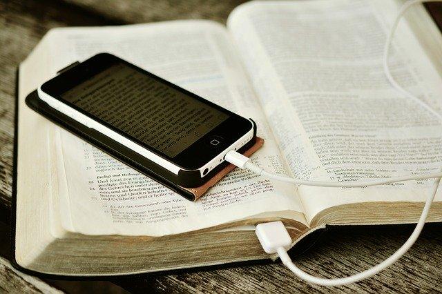 bible-2690295-640