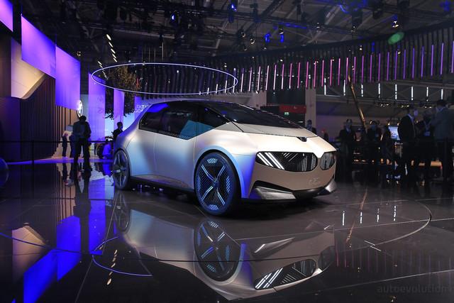2021 - [BMW] Vision Circular  - Page 2 1-BF09-CC6-CB98-40-D5-B06-C-BC8-C66595-A75
