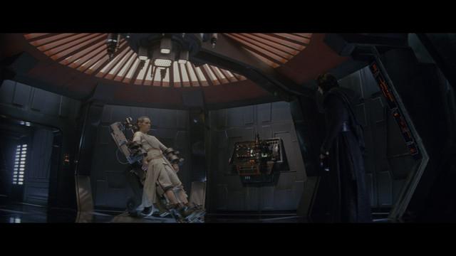 Star-Wars-Episode-VII-The-Force-Awakens-2015-4-K-HDR-2160p-WEBDL-Ita-Eng-x265-NAHOM-mkv-20200211-131