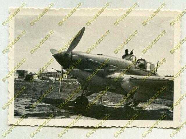 Foto-Wehrmacht-Beute-Flugzeug-Iljuschin-Il-2-Nahaufahme-Russland