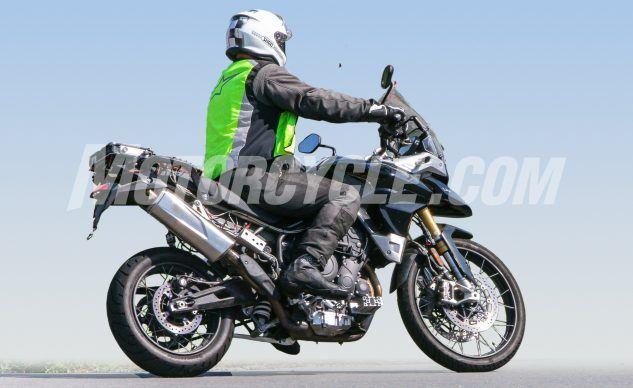 080619-Triumph-Tiger-1000-Spy-Shots-Triumph-Tiger-1000-006-633x388