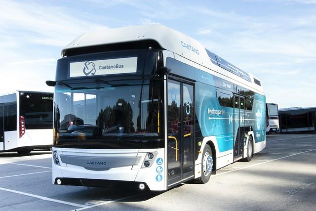 Toyota Motor Europe renforce son alliance stratégique avec CaetanoBus et Finlog dans le secteur des bus à hydrogène Autocarrocaetanopilhadecombustiacutevel-hidrogeacutenio1