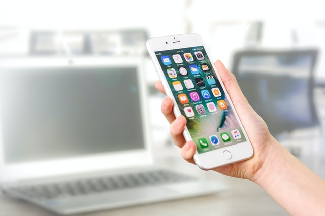 https://i.ibb.co/Hp0fpjm/buying-mobile-phone-online.jpg
