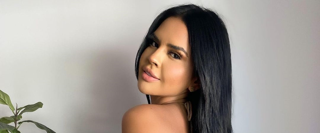 Nicole-Cruz-Wallpapers-Insta-Fit-Bio-20