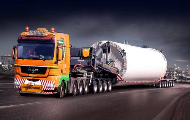 Nooteboom-Mega-Windmill-Transporter