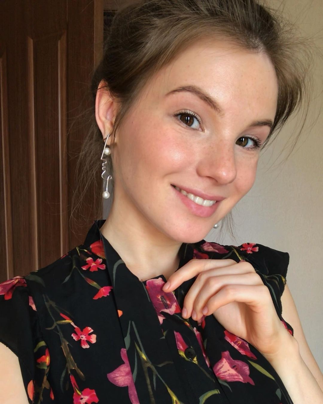 Anna-Kudinova-Wallpapers-Insta-Fit-Bio-20