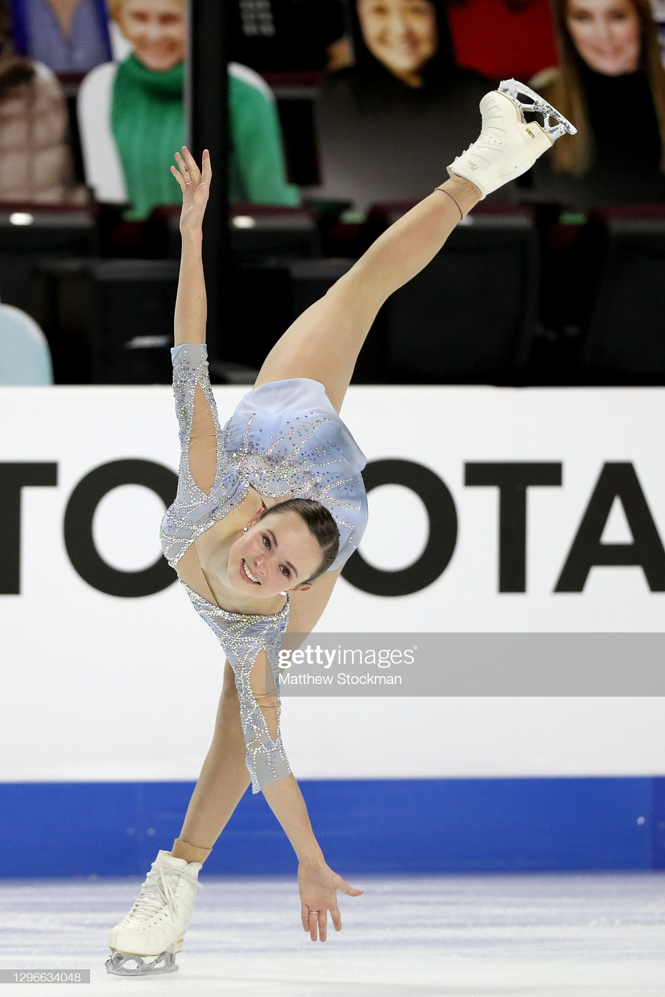 https://i.ibb.co/HqDb9X5/LAS-VEGAS-NEVADA-JANUARY-15-Mariah-Bell-skates-in-the-Ladies-Free-Skate-during-the-U-S-Figure-Skatin.jpg