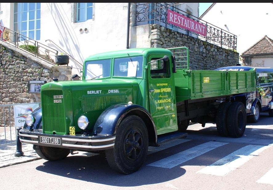 https://i.ibb.co/HqGkcfj/camion-berliet1940.jpg
