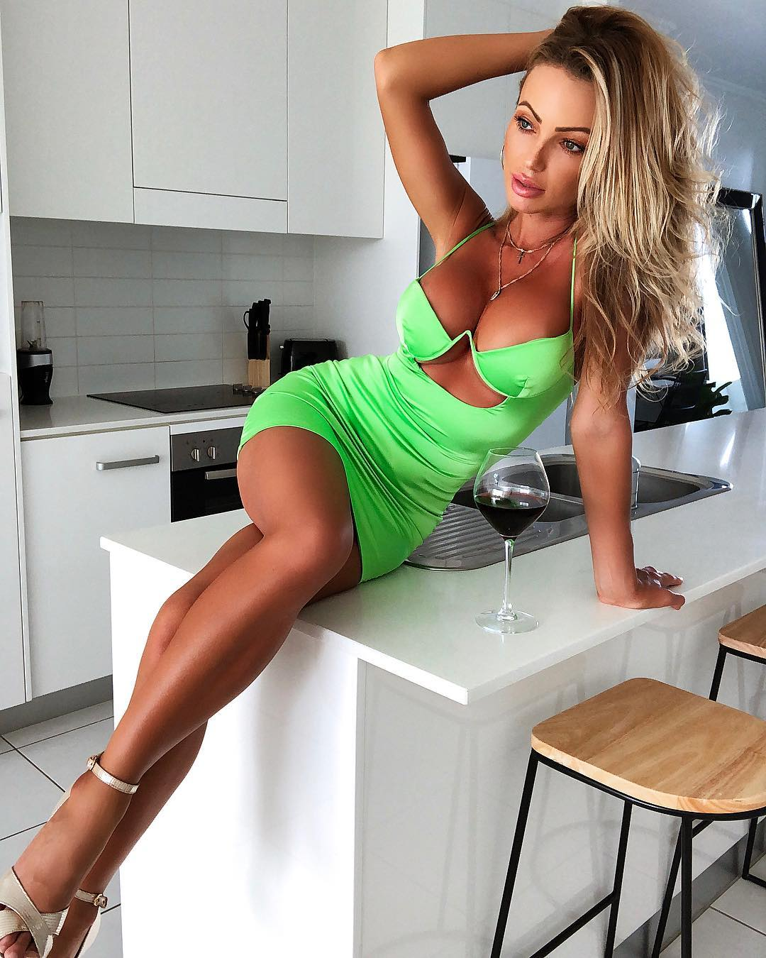 Abby-Dowse-Wallpapers-Insta-Fit-Bio-8
