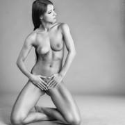 art-of-posing-e8631f37-3c4d-4df3-880d-b94480fd9d6e