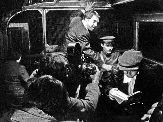 Все ли фильмы Вы узнаете по фото? Это старое доброе советское кино, такого 1589377989_zakulise-4