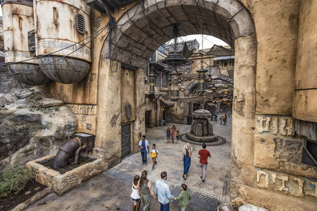 [Disneyland Park] Star Wars: Galaxy's Edge (31 mai 2019) - Page 8 Zzzz13
