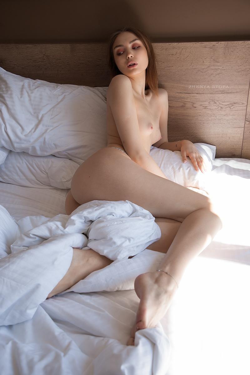 Ekaterina-Kliger-Nude-20-Nudo-Star-com