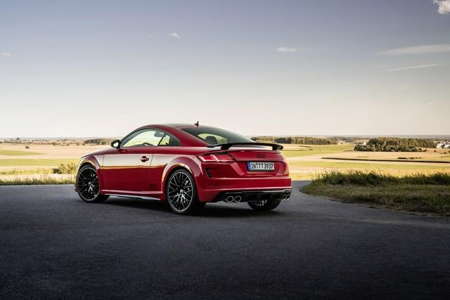 Accent sportif : l'Audi TTS competition plus A208504-medium