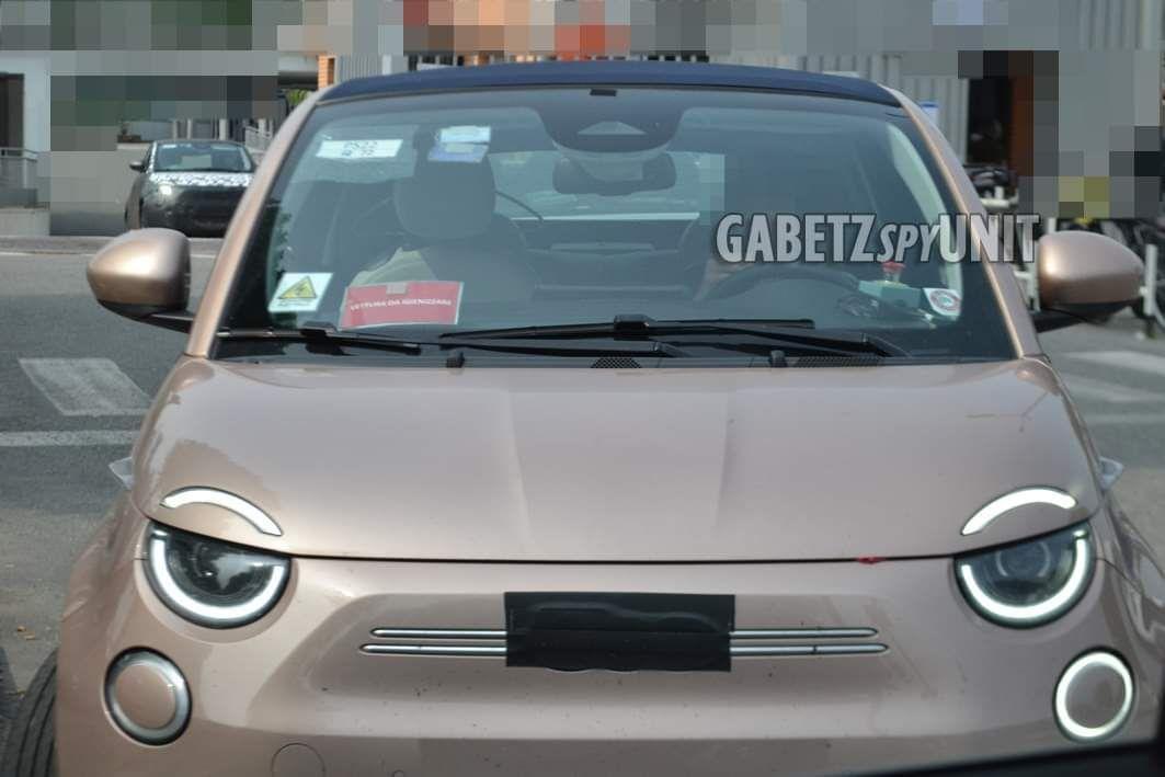 Fiat 500e (2020) 24