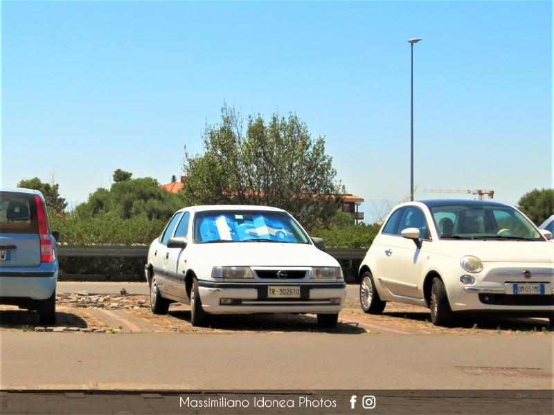 avvistamenti auto storiche - Pagina 31 Opel-Vectra-1-6-75cv-93-TR302610