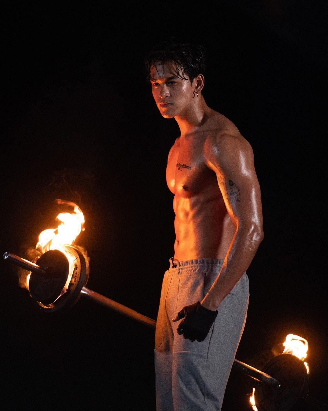 Film Jirayu, soái ca The Facemen Thailand mê ca hát