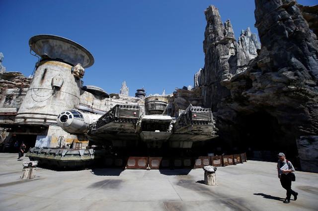 Star-Wars-Disney-Galaxy-Edge-39