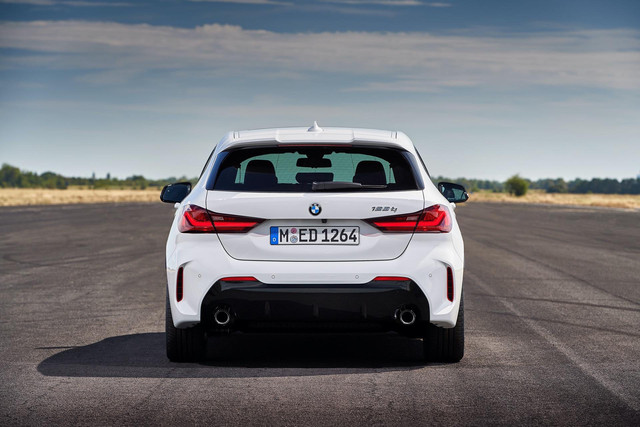 2018 - [BMW] Série 1 III [F40-F41] - Page 31 1-DC2-AF97-B6-A0-417-F-9-E87-109-EA3-E7-B029