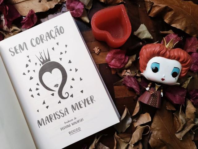 LIVRO-SEM-CORACAO-MARISSA-MEYER-1024x768
