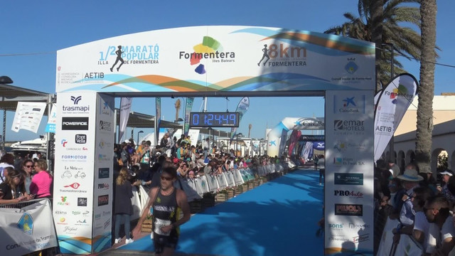 Meta Medio Maratón Fromentera Travelmarathon.es