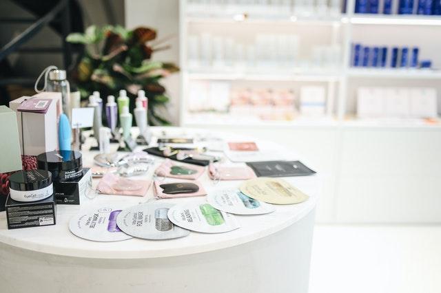 https://i.ibb.co/JH1xRZH/own-brand-cosmetics.jpg