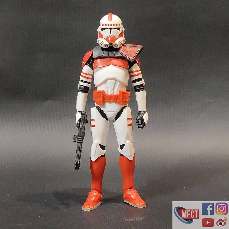 BS-Imperial-Shock-Clone-Trooper-The-Bad-Batch-In-Hand-Loose-1.jpg