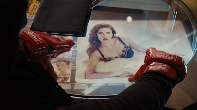 Iron-Man-2-2010-Blu-Ray-1080p-Dual-TR-Tam-Ekran-Uzayli-mkv-snapshot-00-24-55