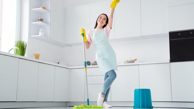Cara Membersihkan Lantai Rumah Sesuai Dengan Jenis Lantainya